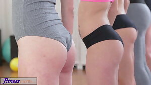 FitnessRooms Lesbian 3some for torrid and sweaty gym babes