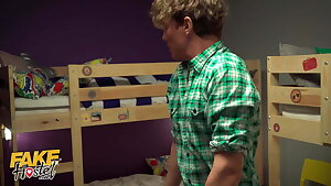 Fake Hostel - The Lockdown – young group isolating together